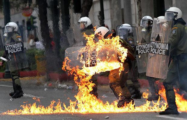police-fire_1538655i