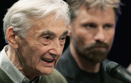 Watch Viggo Mortensen Narrate Howard Zinn's Illustrated 'Empire or Humanity'